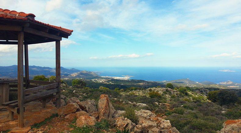 Fahrt über die Berge in der Nähe von Myrtos