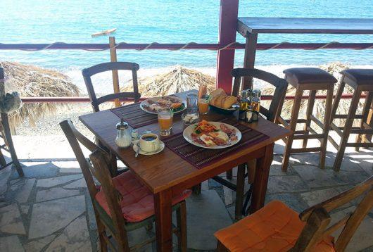 Frühstück in Myrtos