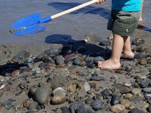 Spielen am Strand von Pirgos Psilonerou/ Maleme