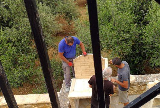 Unsere Außenküche wird aufgebaut