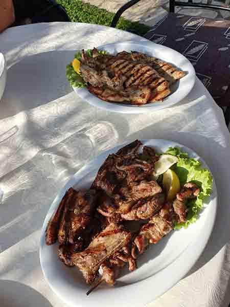 Unser Essen beim Stop in Albanien