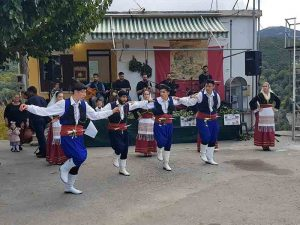 Vorführung beim Kastanienfest in Prases