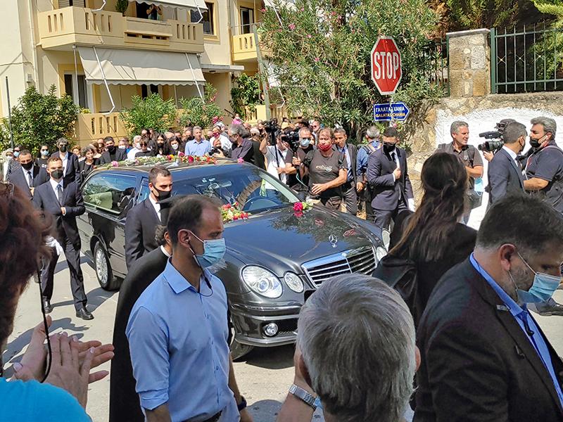 Trauerzug für Mikis Theodorakis in Galatas